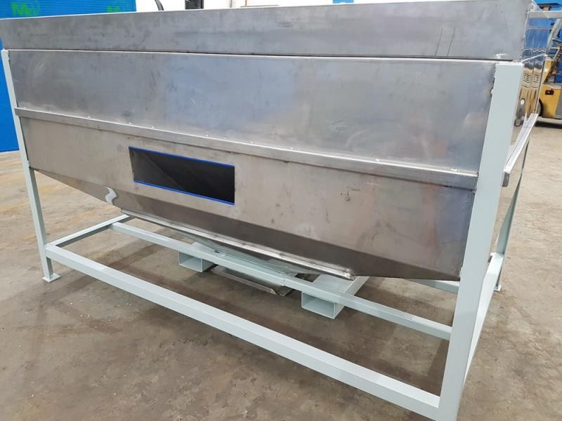 Vasca inox per carico resina con valvola a sarracinesca | Dettaglio 2