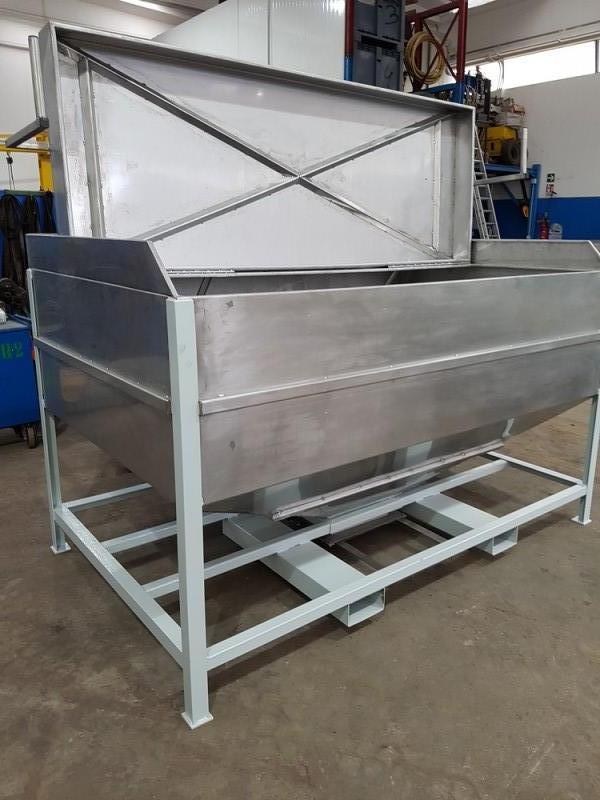 Vasca inox per carico resina con valvola a sarracinesca | Dettaglio 12