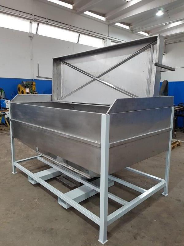 Vasca inox per carico resina con valvola a saracinesca   Dettaglio 8
