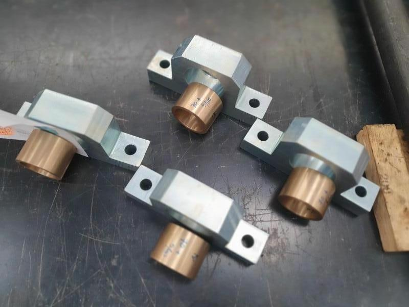 Supporto cuscinetto acciaio zincato con boccola bronzo a tolleranza | Dettaglio 2