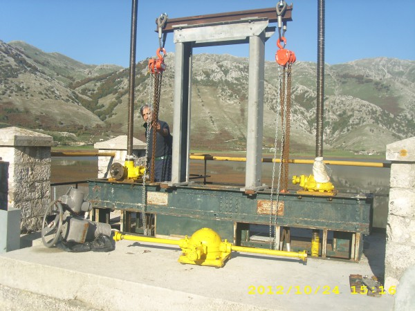 Revisione impianto per sollevamento  Serranda | Dettaglio 2