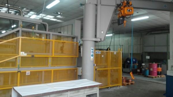 Installazione protezioni con paranco elettrico | Dettaglio 1