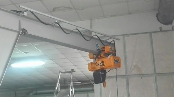 Installazione protezioni con paranco elettrico | Dettaglio 5