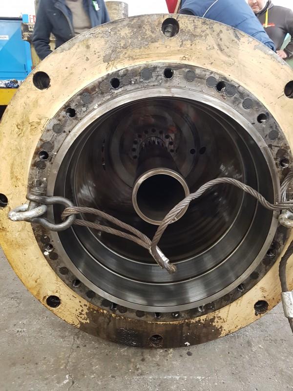 Revisione cilindro idraulico pressa | Dettaglio 1