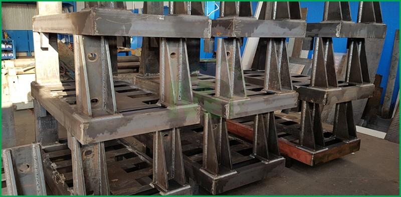 saldature certificazioni iso Piping Manutenzione Meccanica Equilibratura Girante Lavorazione di tornio e fresa Equilibratura Dinamica Carpenteria Metallica  meccanica industriale caserta